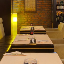Warm-Rustic-Restaurant-2-730x410