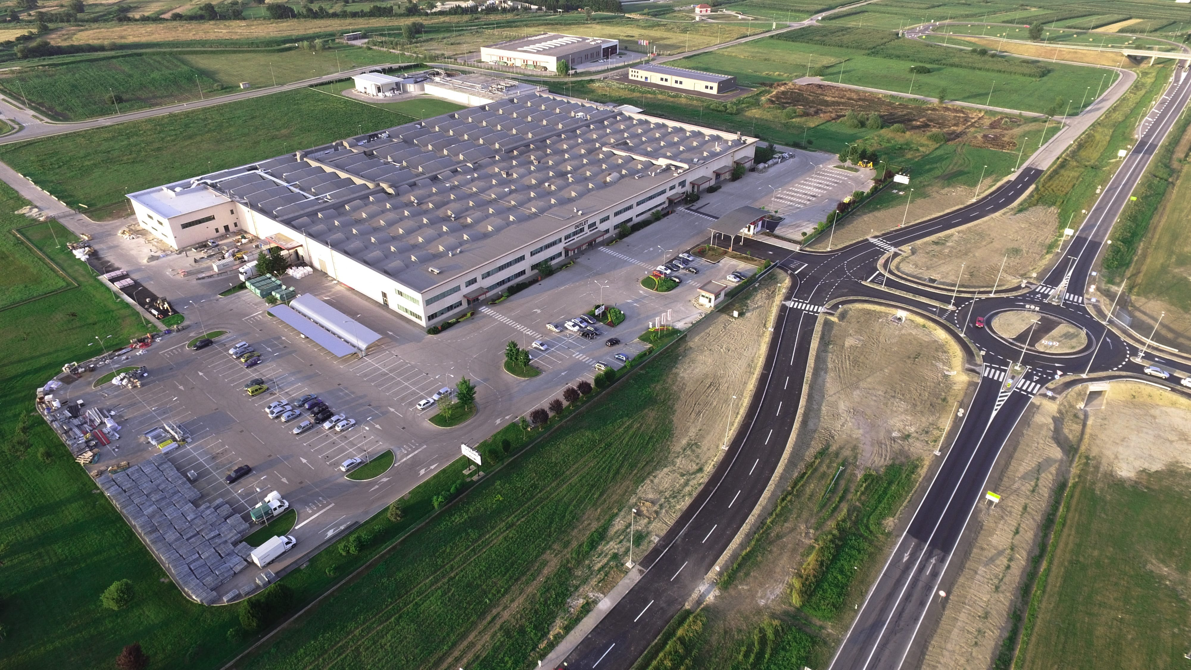1.-Industrial-Warehouse-Aerial-min