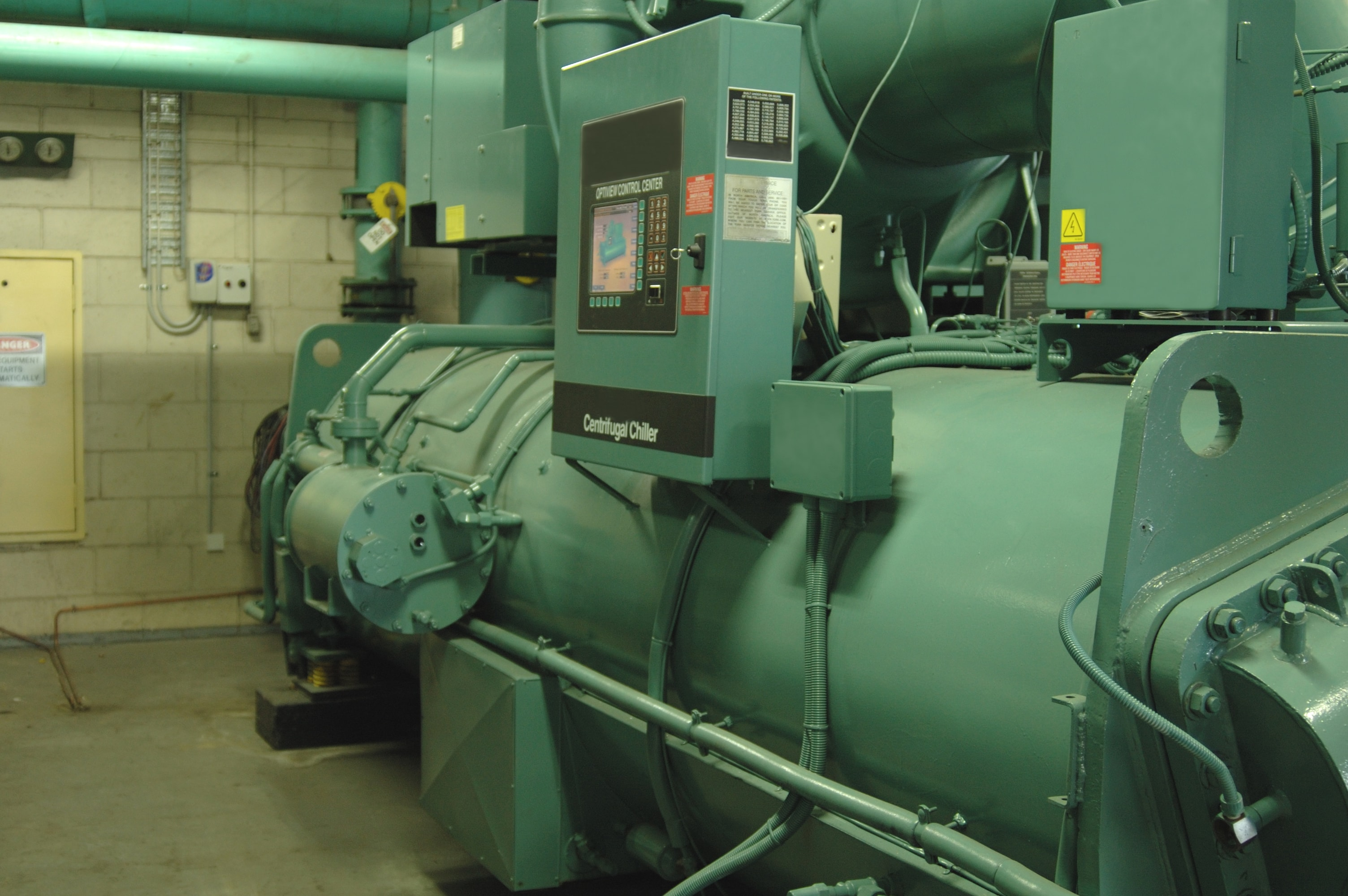 2.-Commercial-Water-Chiller-min